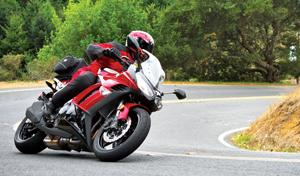2011 Kawasaki Ninja 1000 right side action