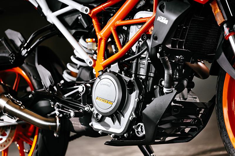 2017 KTM 390 Duke engine