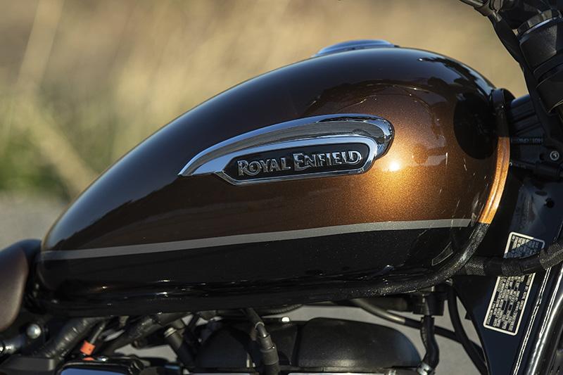 2021 Royal Enfield Meteor 350 Supernova tank